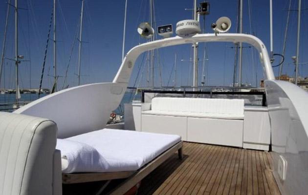 antago62fly-yacht-sicily16.jpg