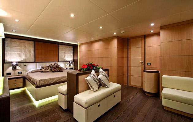 ab116-yacht-sardinia8.jpg