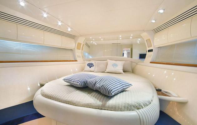 pershing54-campania-yacht3.jpg