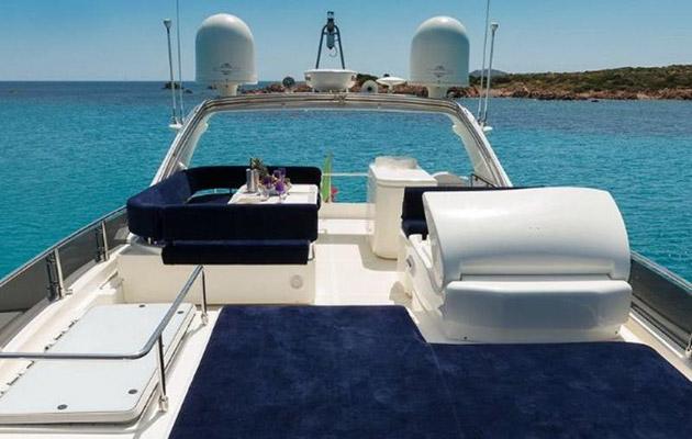ferretti630-yacht-sardinia12.jpg