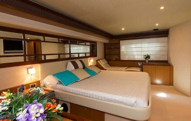 ferretti630-yacht-sardinia2.jpg