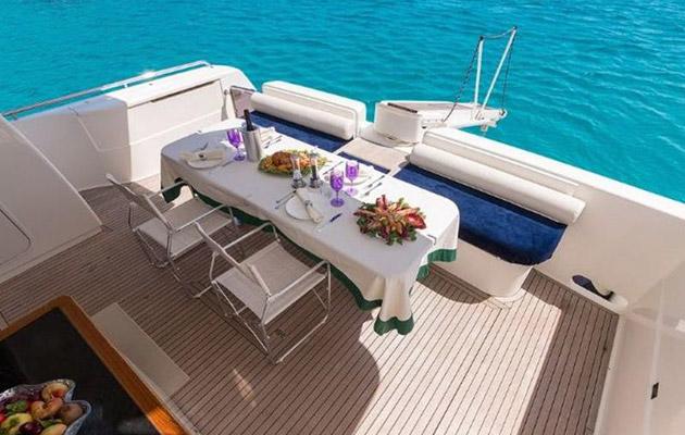 ferretti630-yacht-sardinia3.jpg