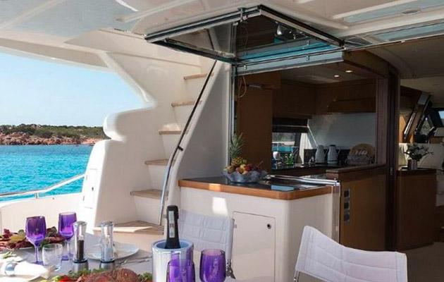 ferretti630-yacht-sardinia4.jpg