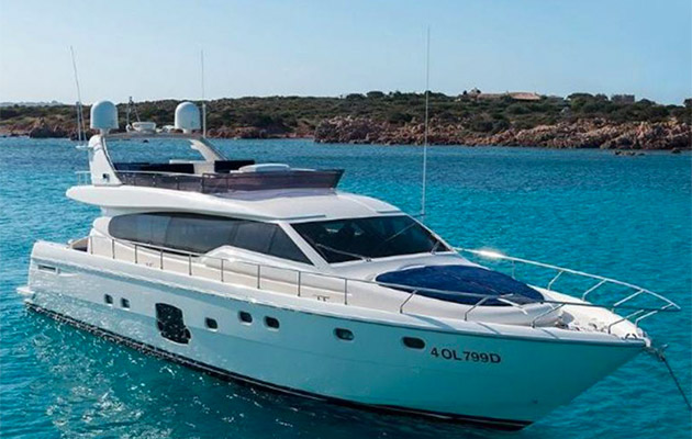 ferretti630-yacht-sardinia7.jpg