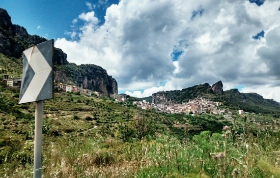 Eine Tour durch Sardinien im Auto