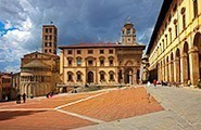 Arezzo-piazza grande