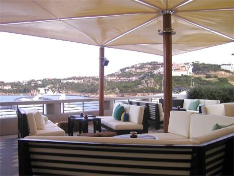 aqua-lounge1.jpg