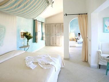 delphina-hotel-resort2.jpg
