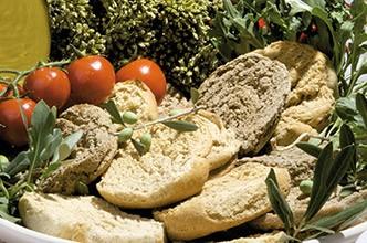 pane-vino-puglia2.jpg