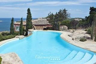 Villa Zafferano (W-01GJXA)
