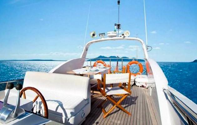 antago62fly-yacht-sicily19.jpg