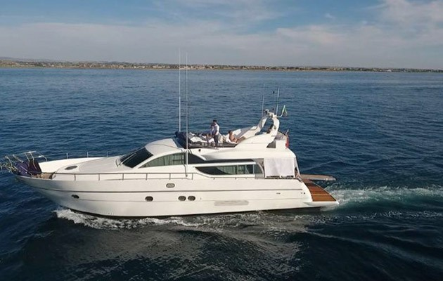 antago62fly-yacht-sicily2.jpg