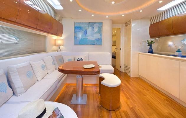 pershing54-campania-yacht4.jpg