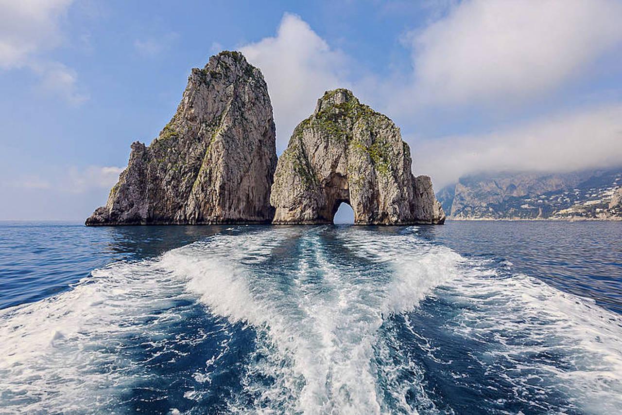 Capri: Giro dell'isola  via Faraglioni
