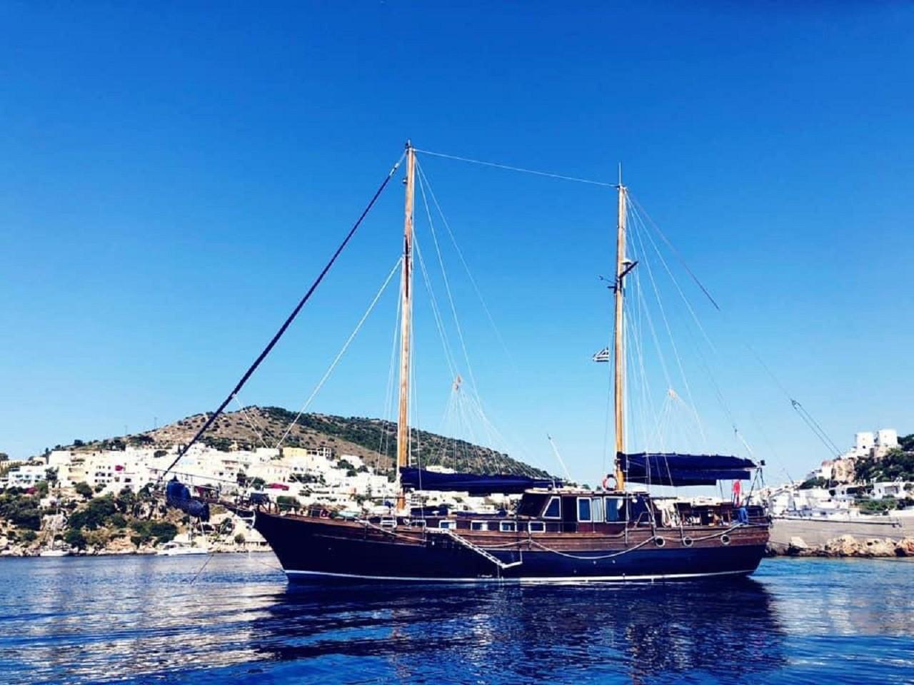 Ischia e Procida in goletta di lusso : mini crociera con pranzo a bordo e snorkeling