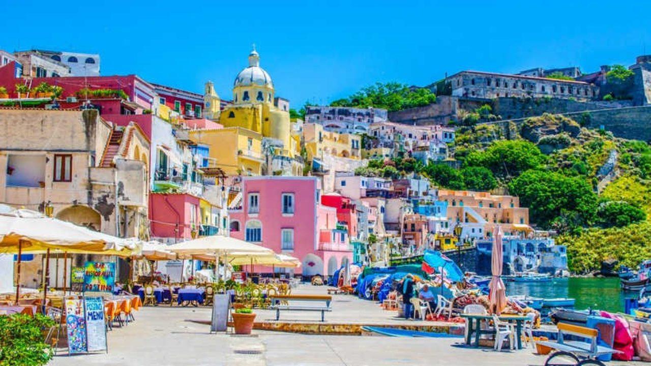 Isola di Procida : Gita Giornaliera da Napoli con pranzo