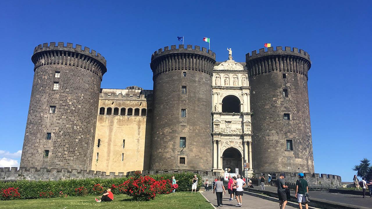 Napoli: tour panoramico, storico e monumentale della città