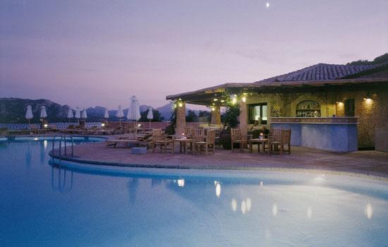 mira-luna-restaurant4.jpg