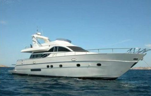 antago62fly-yacht-sicily18.jpg