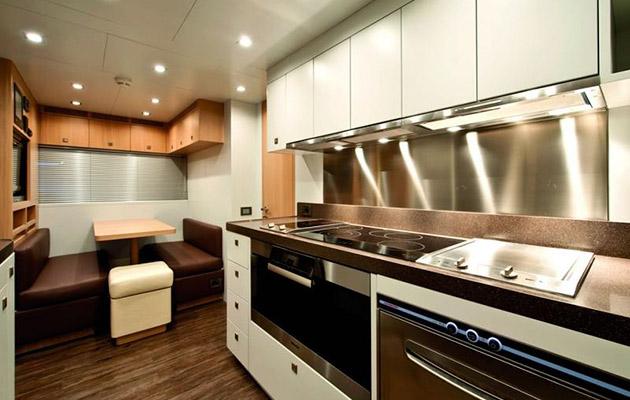 ab116-yacht-sardinia3.jpg