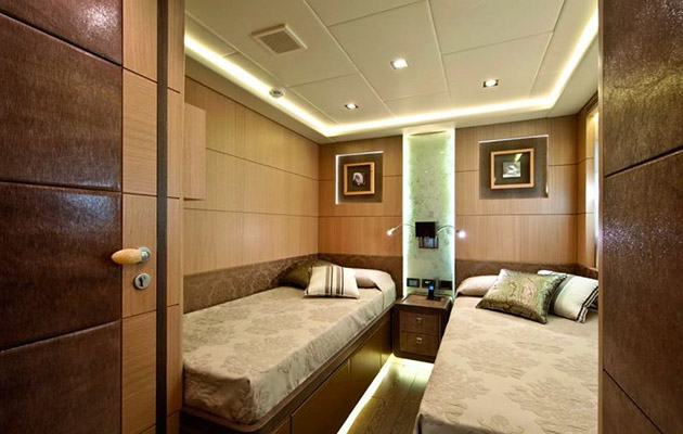 ab116-yacht-sardinia6.jpg
