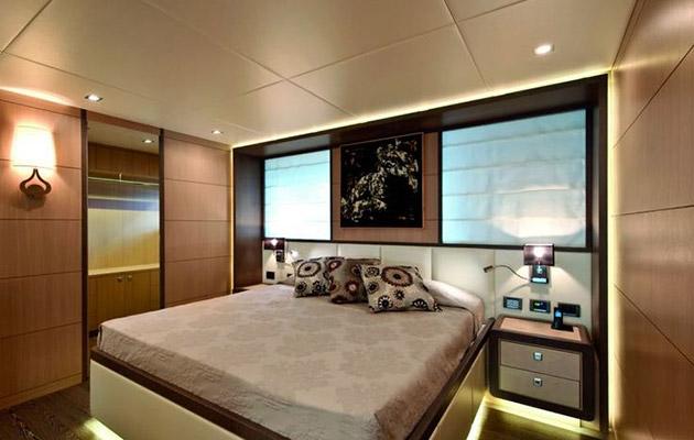 ab116-yacht-sardinia7.jpg
