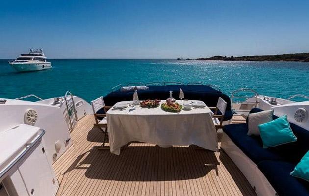 sunseeker-predator72-yacht-sardinia9.jpg