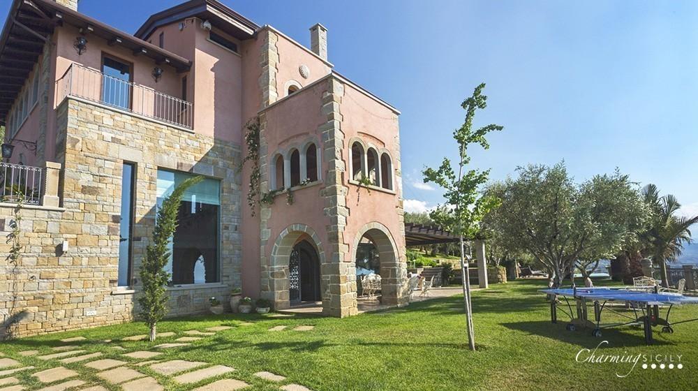 Villa Hydra
