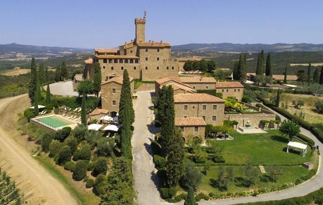 Letto A Castello Toscana.Castello Banfi Il Borgo Alberghi Di Classe A Montalcino Toscana
