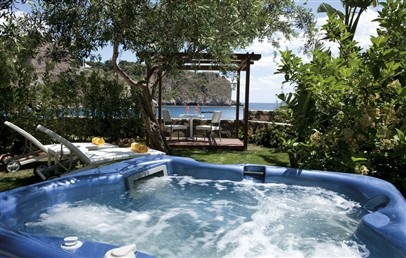 Deluxe Bungalow Sea side with outdoor Jacuzzi