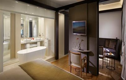 Urban Junior Suite RedLevel