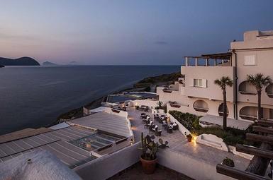 Therasia Resort Sea and Spa