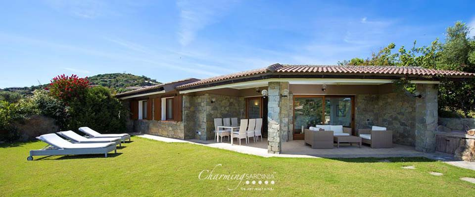 Villa floridiana ville di lusso nella prestigiosa localit di chia - Hotel mioni royal san piscine ...