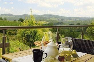 pane-vino-tuscany.jpg